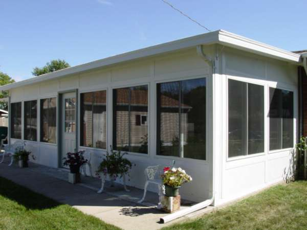 Increase your home 39 svalue and your level of comfort with a for Mobile home enclosed porch